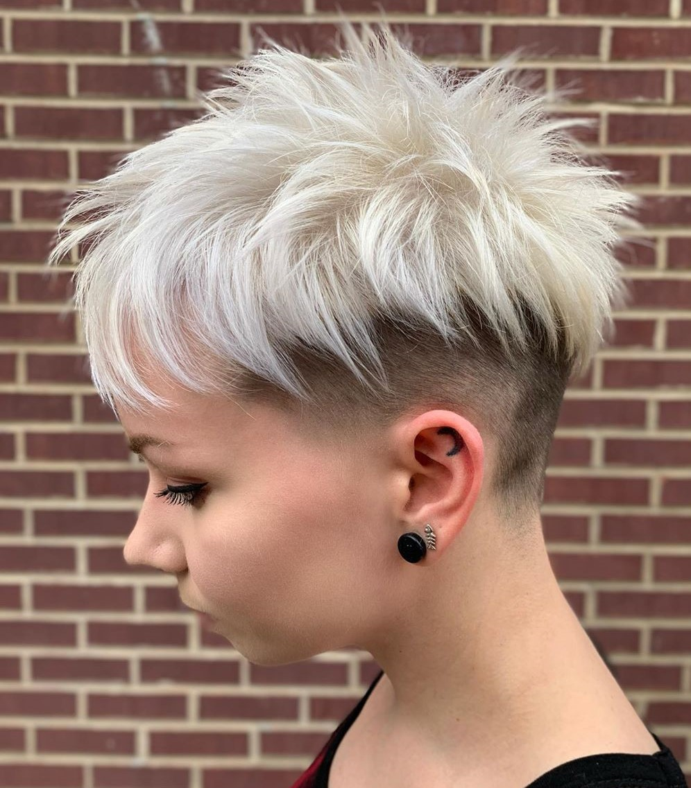 Proof that adding layers to your short haircut can transform your look without changing your length. 35 Pixie Haircuts That Make You Look Younger Short Haircut Com