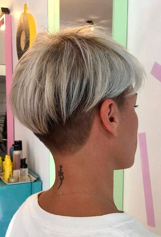 Our ultimate guide to short celebrity hairstyles will help you find a haircut you'll love all beauty, all the time—for everyone. Hubsche Pixie Mit Undercut Undercut Pixiehair Kurze Frisuren Zum Besten Von Haircut For Thick Hair Short Hair Styles For Round Faces Short Blonde Hair