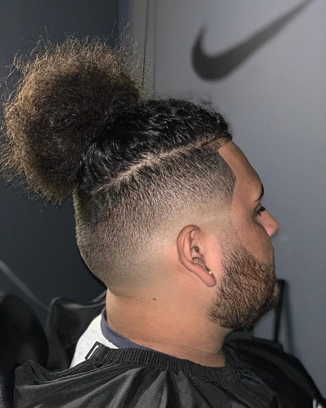 Men with thick, curly, and afro hair can. 11 Best Low Fade Haircuts For Curly Hair Trending For 2021