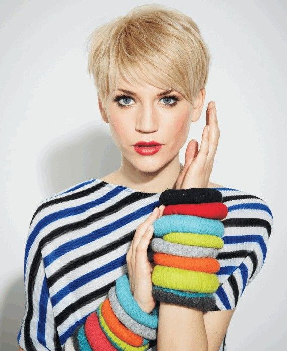 If the gaggle of celebrities who can't stop cutting their hair is making you consider going for the big chop too, then you're. 16 Edgy And Pretty Pixie Haircuts For Women Pretty Designs