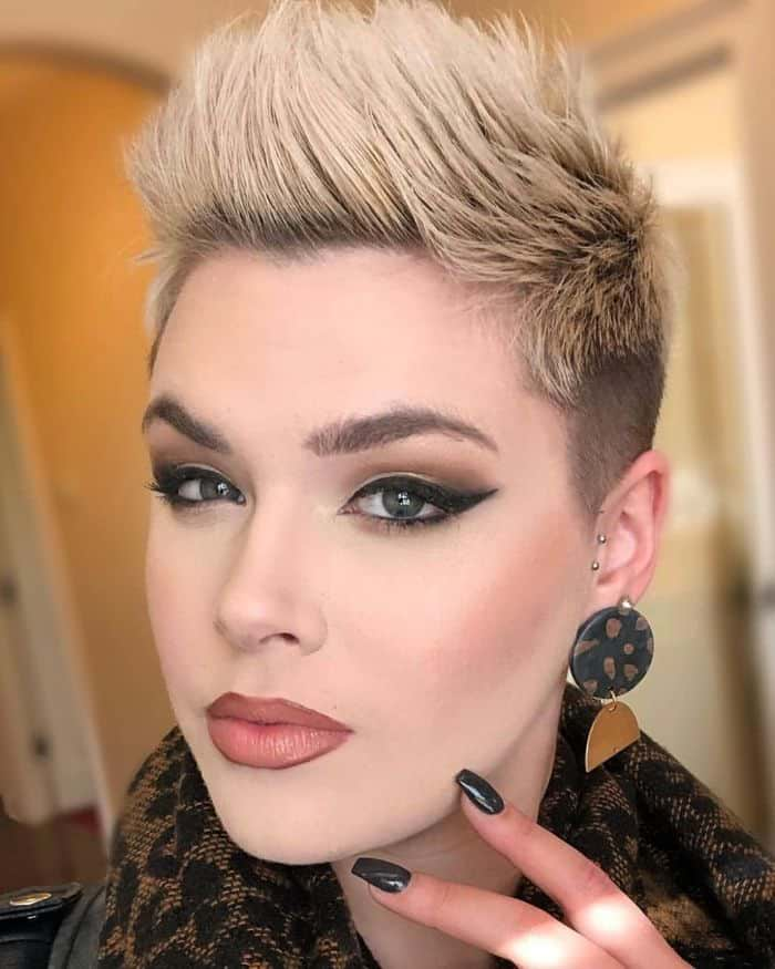 Typically, the hair on the top of the head is long and parted on either the side or center, while the back and sides are buzzed very short. 51 Lates Short Hairstyles For Women In 2021