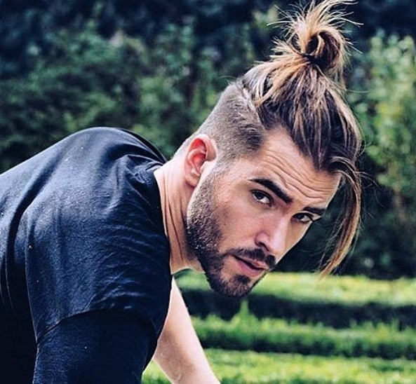 The samurai haircut or man bun features long, top hair wrapped up in a nice top knot. 12 Best Man Bun Fade Hairstyles Men S Hairstyles Haircuts