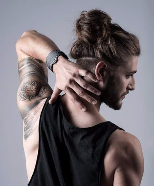 2/11/2018· the man bun undercut is one of the exclusive hot hairstyles for men with relatively long hair, it doesn't use the hair from sides and back of the bun, thus it uses … 50 Man Bun Hairstyle Choices That Really Do Look Good Menhairstylist Com