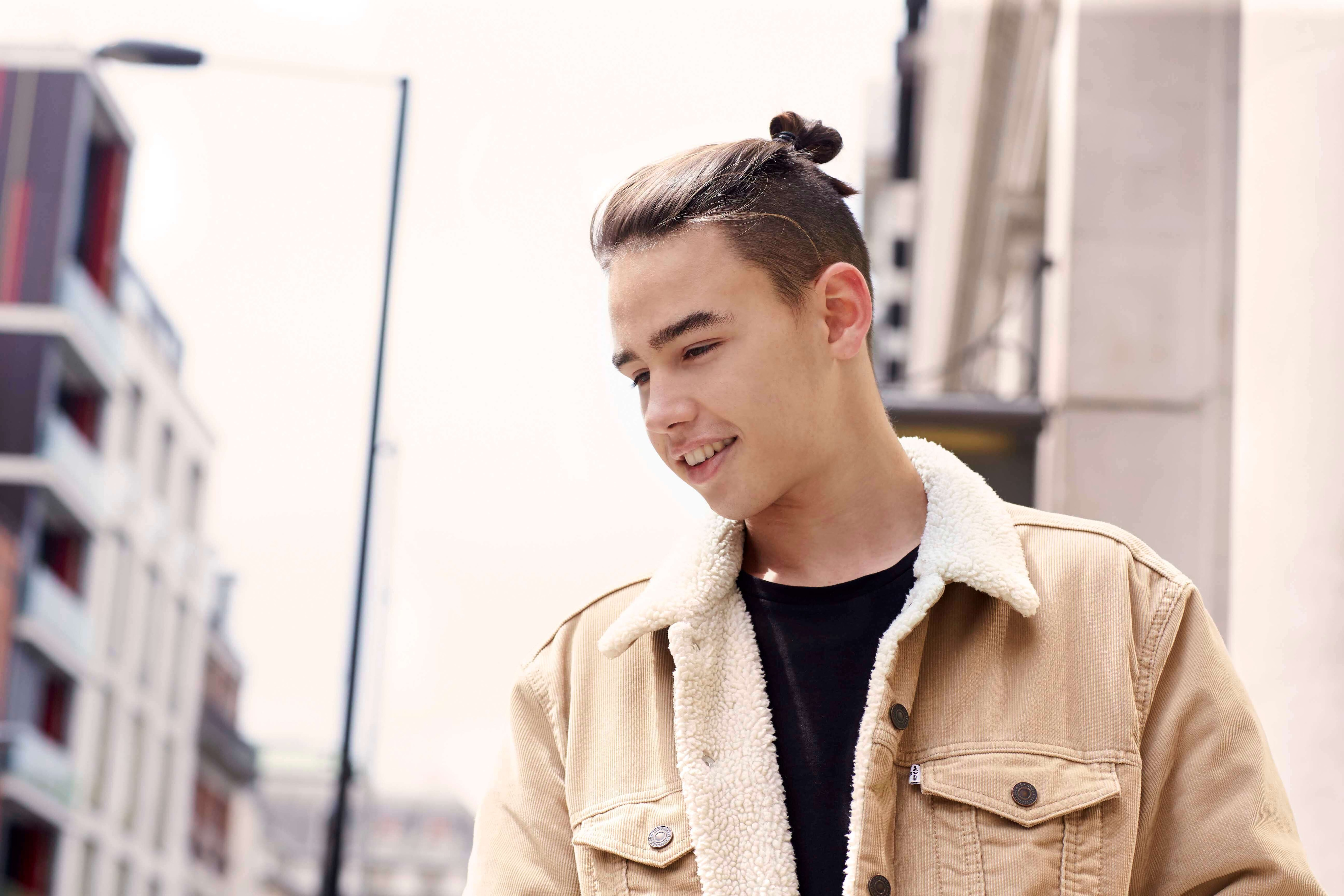 The style of men pulling their hair into a knot above or behind their head has taken male fashion by storm. Man Bun Undercut How To Get The Look And 6 Ways To Style It